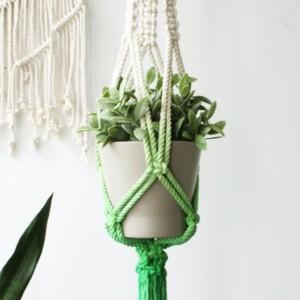 خرید آویز گل و گیاه زیبا بافتنی